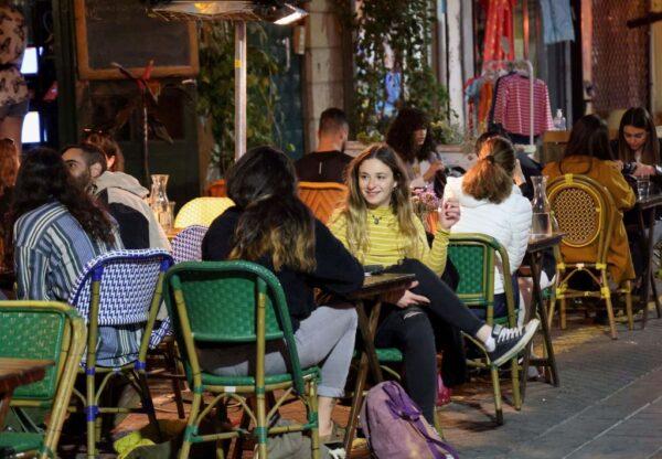 4成人口接種疫苗 以色列餐館酒吧恢復營業