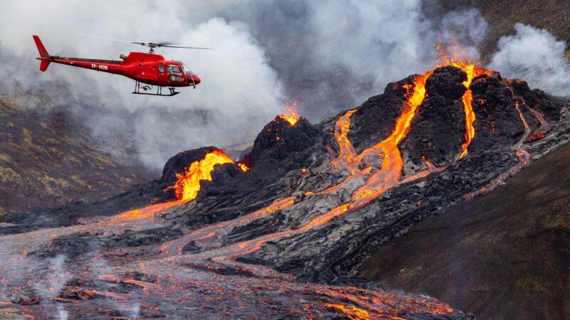 咆哮一个月 西班牙拉帕尔马火山仍在喷发