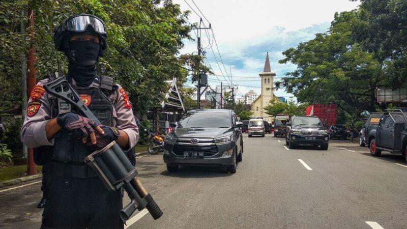 印尼錫江教堂驚爆 1名炸彈客身亡14人受傷(視頻)