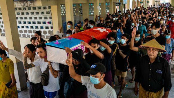 7岁女童被缅军枪杀 缅甸发起无声罢工避免流血