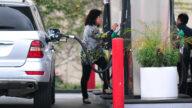 洛縣油價每加侖達$3.7 43天內上調42次