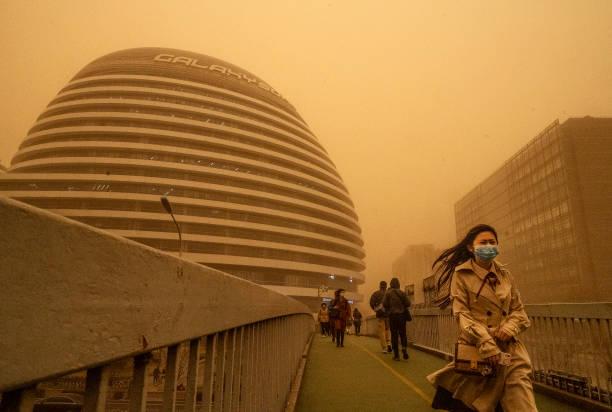 中国沙尘暴卷土重来 北京PM10浓度攀升