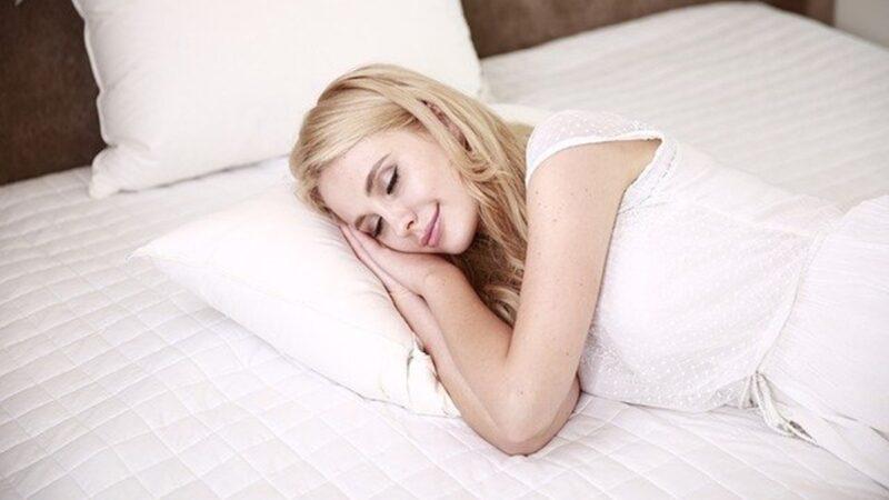 就寝前吃这些食物帮助入睡 醒来精神抖擞