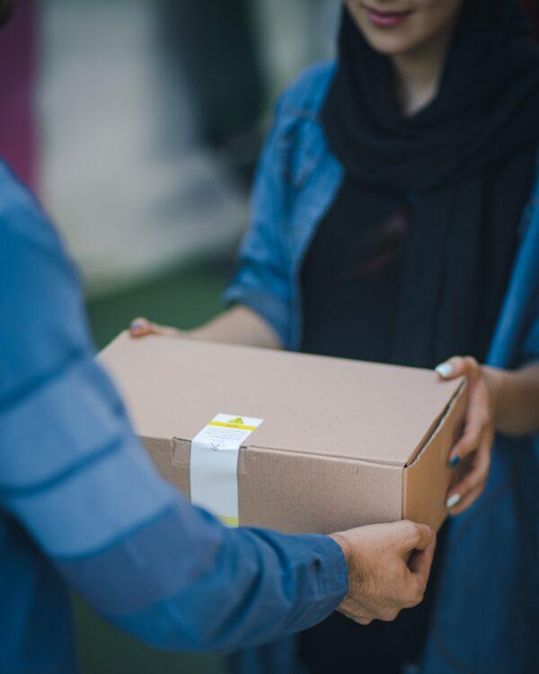 來自中國神秘包裹 加國男收到三頭鴨標本