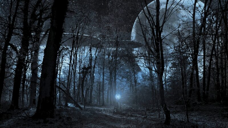 真的有外星人! 美前情报高官揭UFO飞行秘密