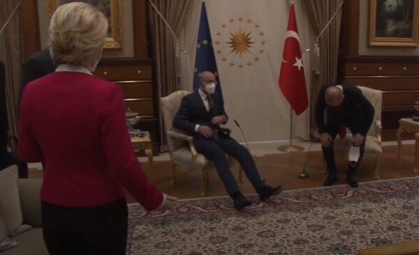 尴尬!欧盟执委会主席与土耳其总统会面 困窘坐一旁(视频)