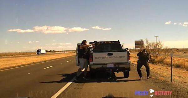 美警拦车临检 遭驾驶持步枪近距离杀害(视频)