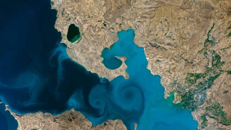 NASA最佳地球照 土耳其凡湖藍漩渦 美到令人醉