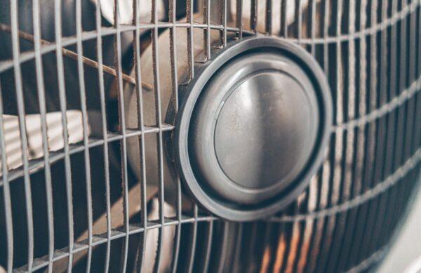 电风扇正确又省电的使用技巧