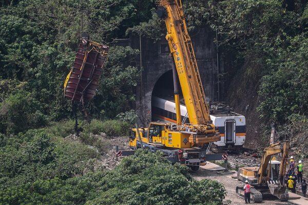 太魯閣號事故疑還有遺體 死傷慘重「隧道」是主因