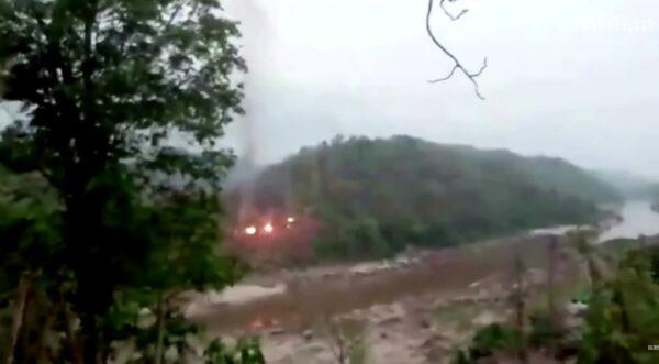 疑緬軍基地遭突襲 泰國隔江可聽見槍聲大作(視頻)