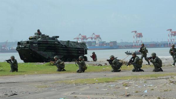 在南海争议区加强与中共对阵 菲部署飞机及舰艇