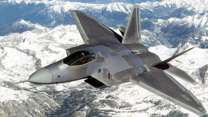 华盛顿一战纪念馆举行开幕式 F-22战机吓到居民
