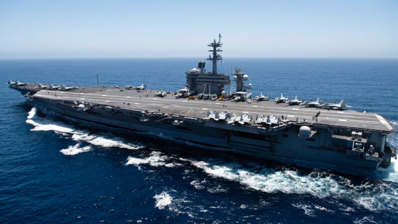 威吓美军? 伊朗发布航拍美航母视频