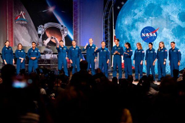 2024人類重返月球 馬斯克獲28.9億NASA合約