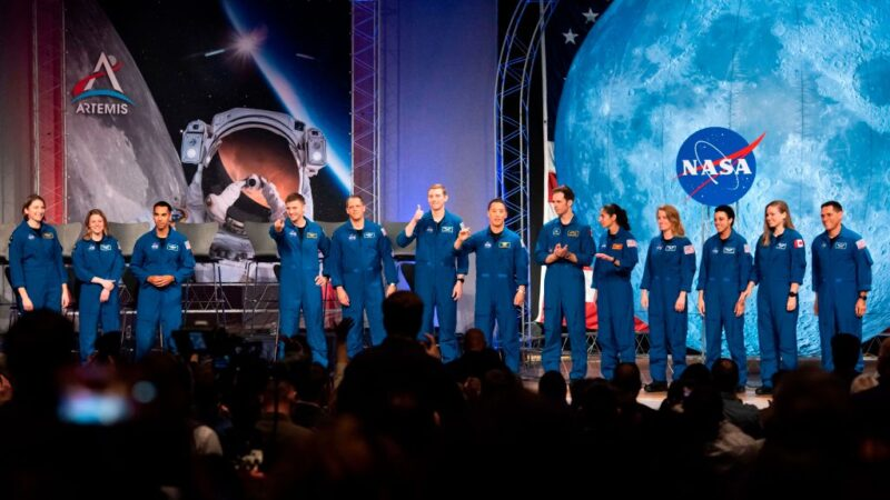2024人类重返月球 马斯克获28.9亿NASA合约