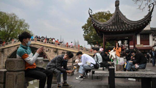 外省人進上海逾24小時須登記 被批「率先新疆化」