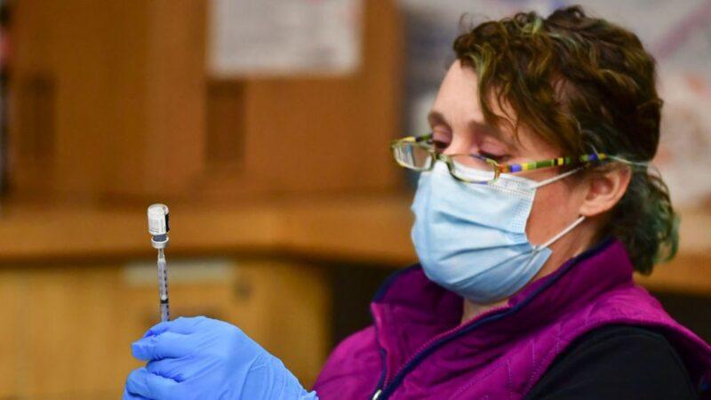 染疫痊愈后又打过疫苗 美国女子再度确诊