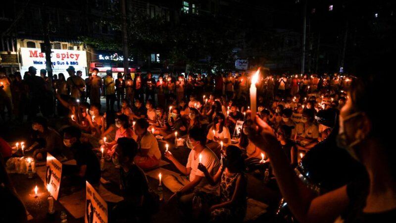 缅甸镇压至少564死 澳籍夫妇被软禁两周获释