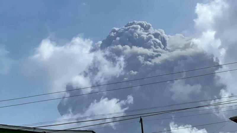 聖文森火山爆發第3天 積灰一度釀大停電