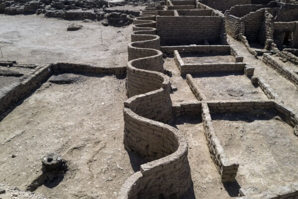 距今3000年 埃及「失落黃金城」重見天日