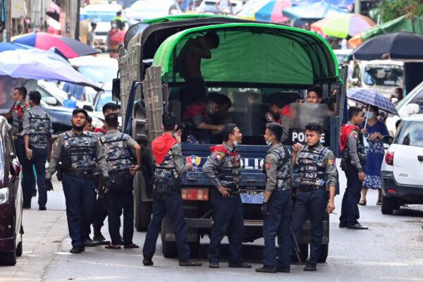 缅甸医护支持反政变 安全部队开枪驱离1死多伤
