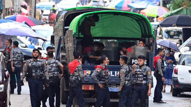 緬甸醫護支持反政變 安全部隊開槍驅離1死多傷