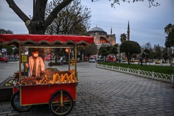 确诊病例再飙升 土耳其防疫破功 经济难提振