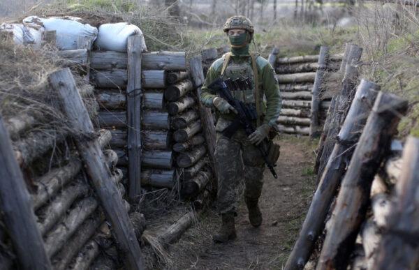 俄烏緊張對峙升高 互逐外交官限72小時離境