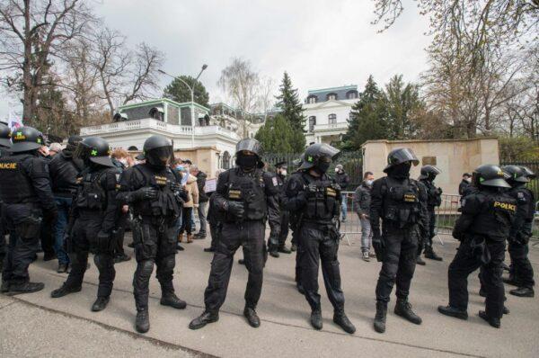 俄罗斯报复捷克 宣布驱逐20名外交官