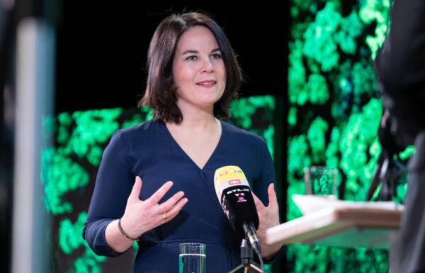 德國綠黨民調居首 總理候選人籲對中共強硬