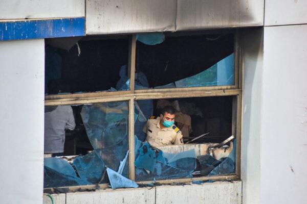 疫情恶化医疗紧绷 印度医院大火13染疫病患丧命