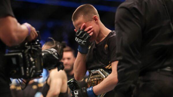 終極格鬥冠軍賽 美國選手1分18秒KO中國冠軍(視頻)