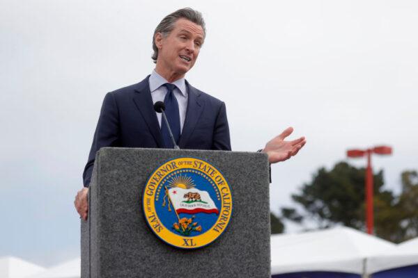 收集足夠有效簽名 罷免加州州長達標