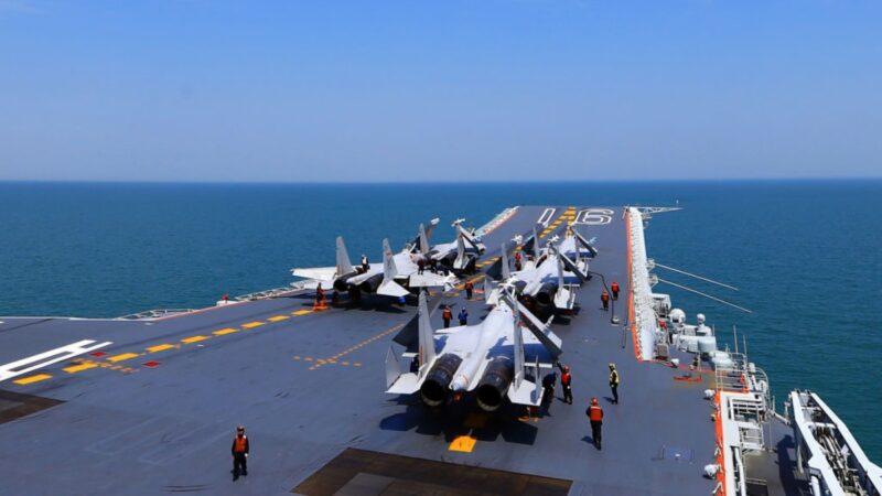 头号标靶?日防卫厅公布辽宁号航母战斗群高清图