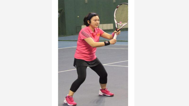 華春瑩一身「洋貨」 網友嘲諷:身體很誠實