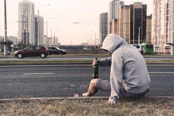 16歲少女寫「酒鬼爸爸的人生」逾400萬人喊讚