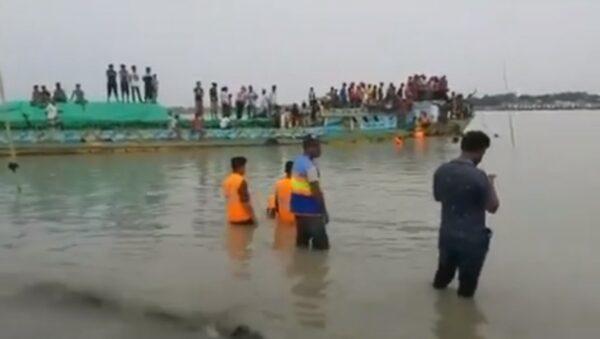 孟加拉快艇撞砂石船 釀至少26人喪命