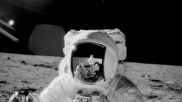 月球是外星基地?地外接收器收到外星人信號