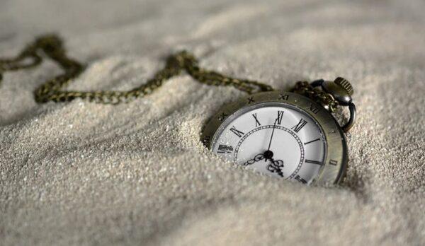 歷史事件細節中或存時間旅行「證據」