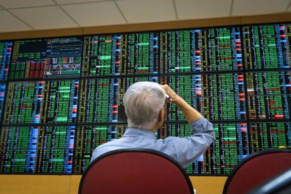 台股大跌652點883家下跌 電子股成重災區