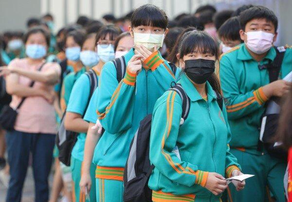 台湾日增180确诊 台北、新北今起第三级警戒