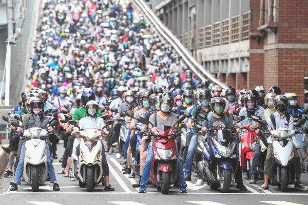 台湾三级警戒延至6/14 各级学校同步停课