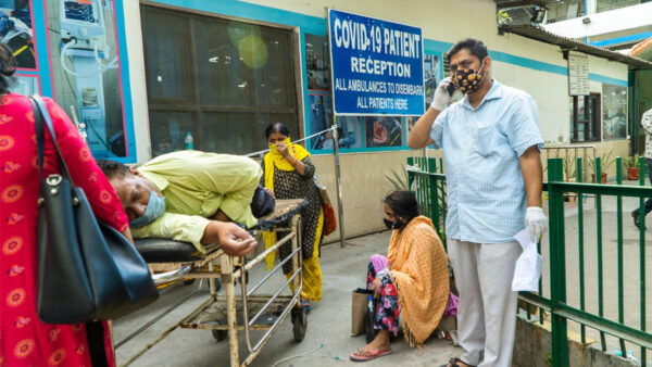 印度疫情死亡人数破25万 何时达顶峰仍未知