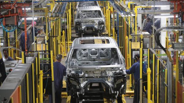 芯片短缺致新车减产 美二手车售价飙升