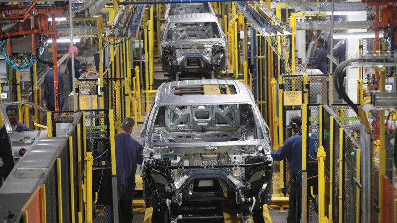 芯片短缺致新車減產 美二手車售價飆升