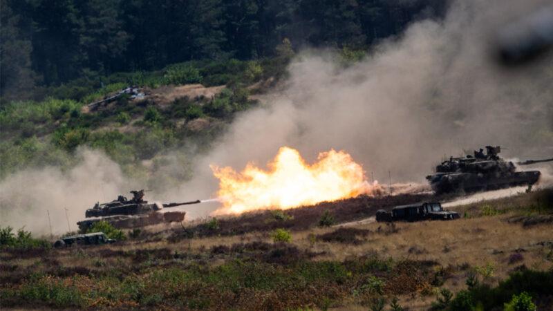 「歐洲捍衛者21」軍演進行中 遠程火炮直指中共(視頻)