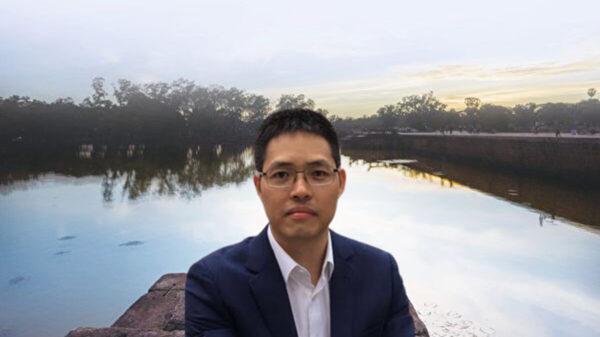 广东知名民主人士王爱忠遭警方诱捕抄家