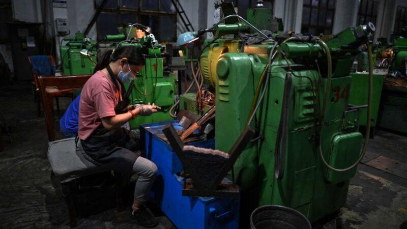 物价飙涨难倒李克强 中国掀关厂、减产、减薪潮