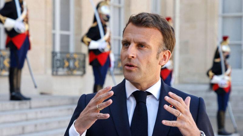 法国总统宣布四阶段解封计划 6月底彻底取消宵禁